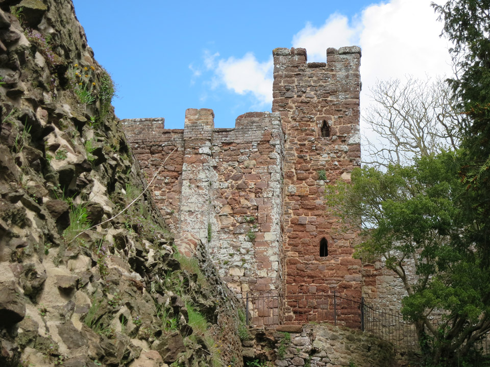 Castle wall photo Andrew Tivenan