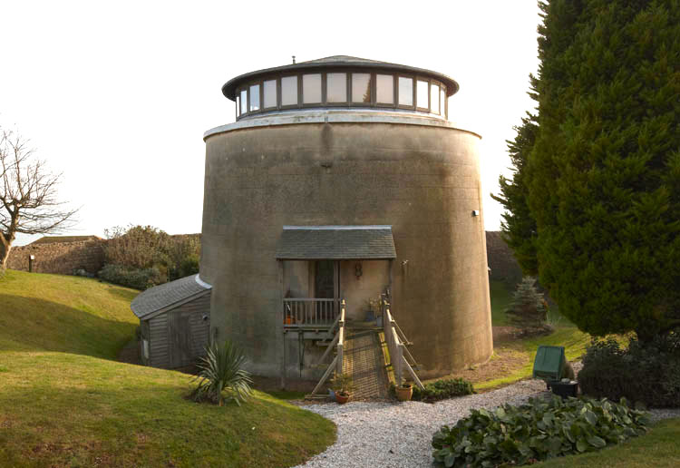 Martello Tower 8 photo Ian Giles