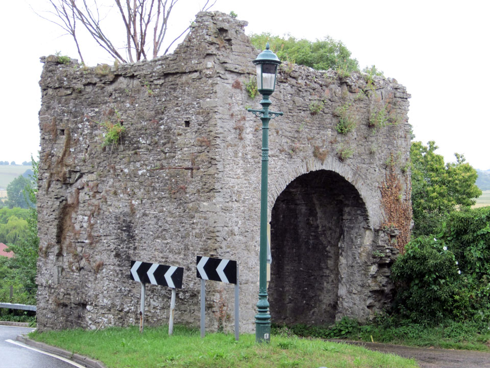 Winchelsea Pipewell Gate photo Charles Taylor